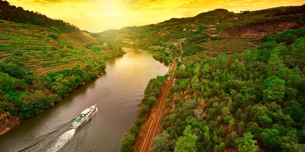10 Things to Do in the Douro Valley winerist.com